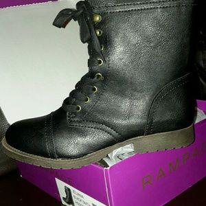 Rampage Jeliana black smith boots  size 9.5m